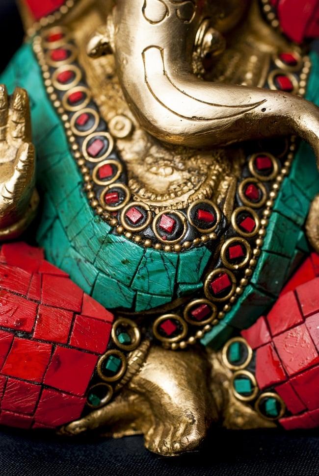 【一点もの】緑青石装飾のガネーシャ[高さ:14cm]の写真5 - 豊かな腹部の表現です。