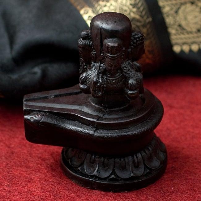 4面ムカリンガ像[10.8cm] 2 - 横からの写真です