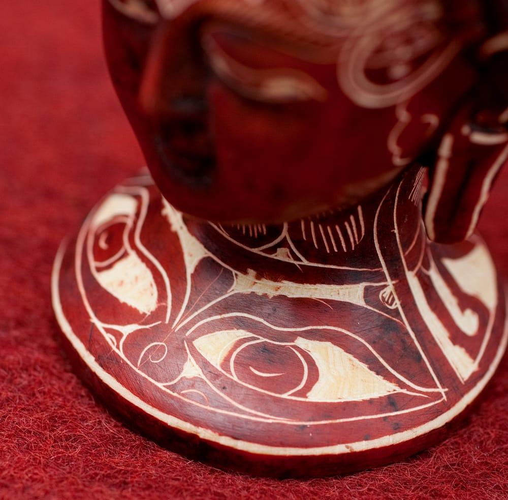 手彫り模様のブッダ・ヘッド[11.8cm] 5 - 拡大写真です