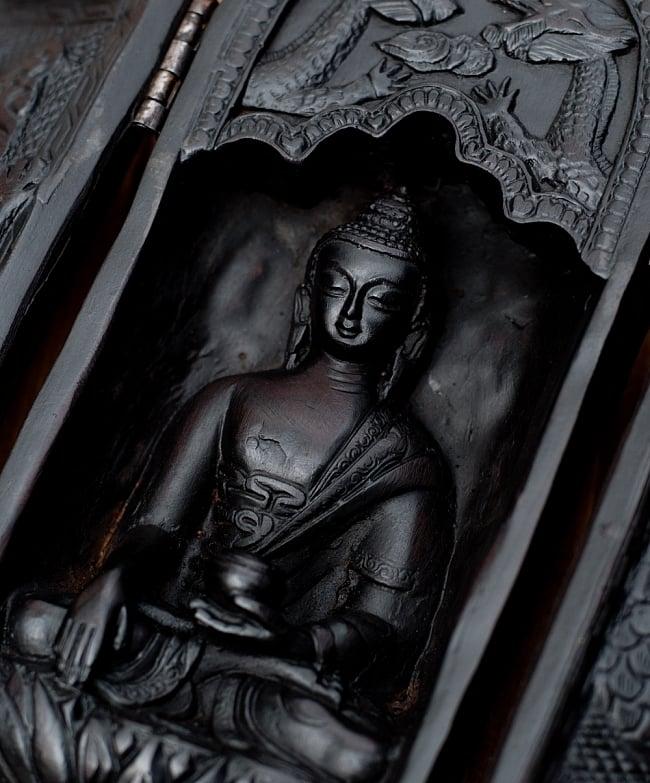 観音開きの枕本尊 7 - 仏陀像があります