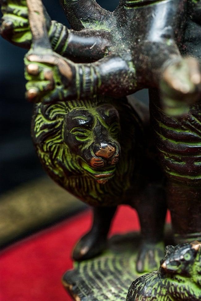 獅子を従えるガネーシャ - 29cm 8 - ネパールから届いた、厳かな神像です。