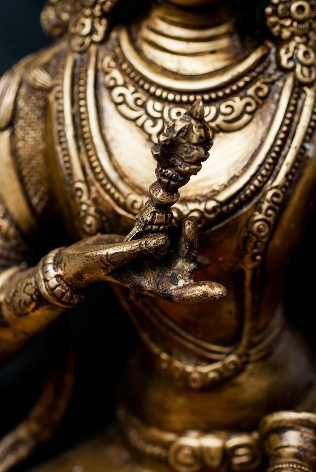 ヴァジュラ・サットゥヴァ −金剛薩た - 22cm 4 - 右手にはバジュラを持っています。