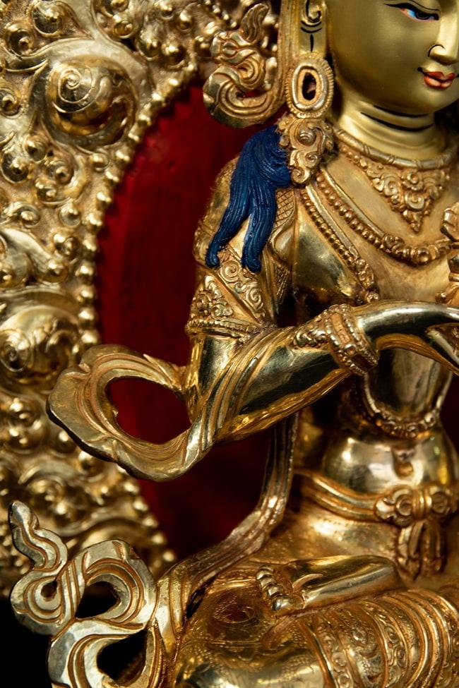 金剛薩た(ヴァジュラ・サットゥヴァ) 銅造鍍金仕上げ - 37cm 14 - 衣をまとった様子も美しいです。