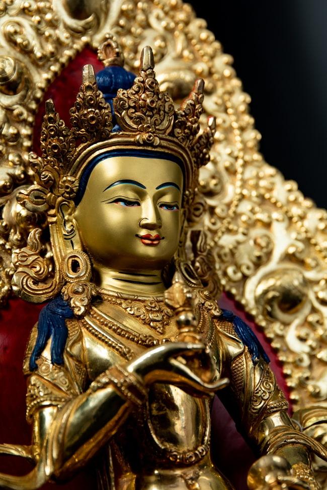 金剛薩た(ヴァジュラ・サットゥヴァ) 銅造鍍金仕上げ - 37cm 6 - 陰影が濃くなると厳かな印象になります。