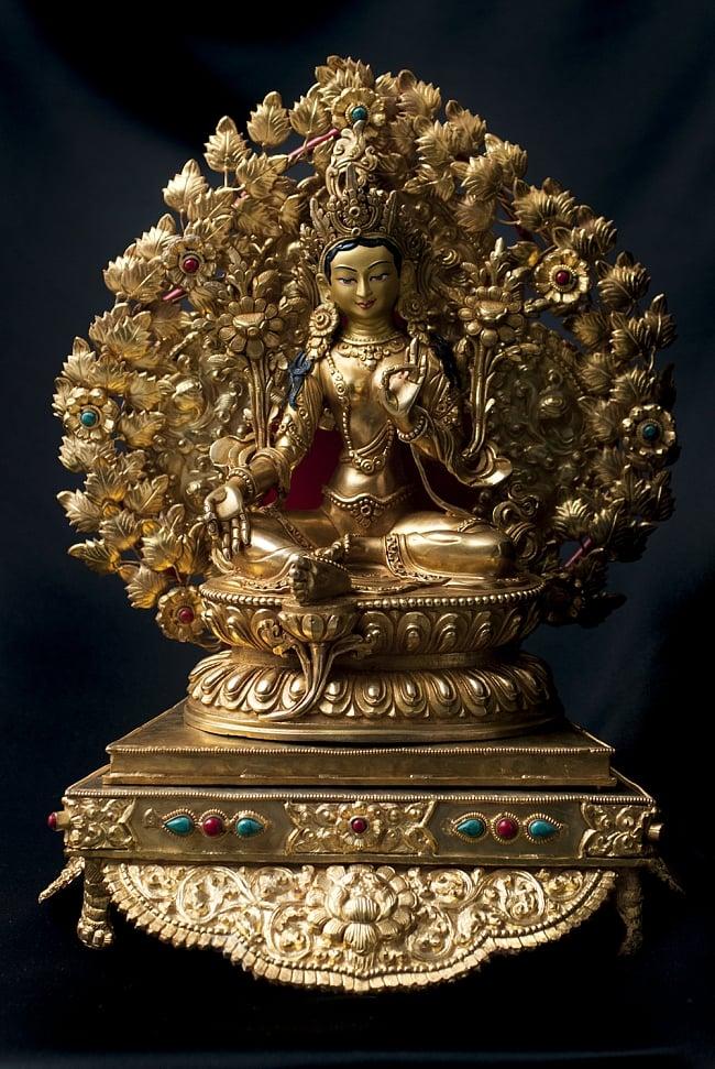 神像・仏像用台座  - 銅造鍍金仕上げ 11 - 多羅菩薩(ターラー) 銅造鍍金仕上げ - 23cm(TI-RSDL-1361)を設置してみました。