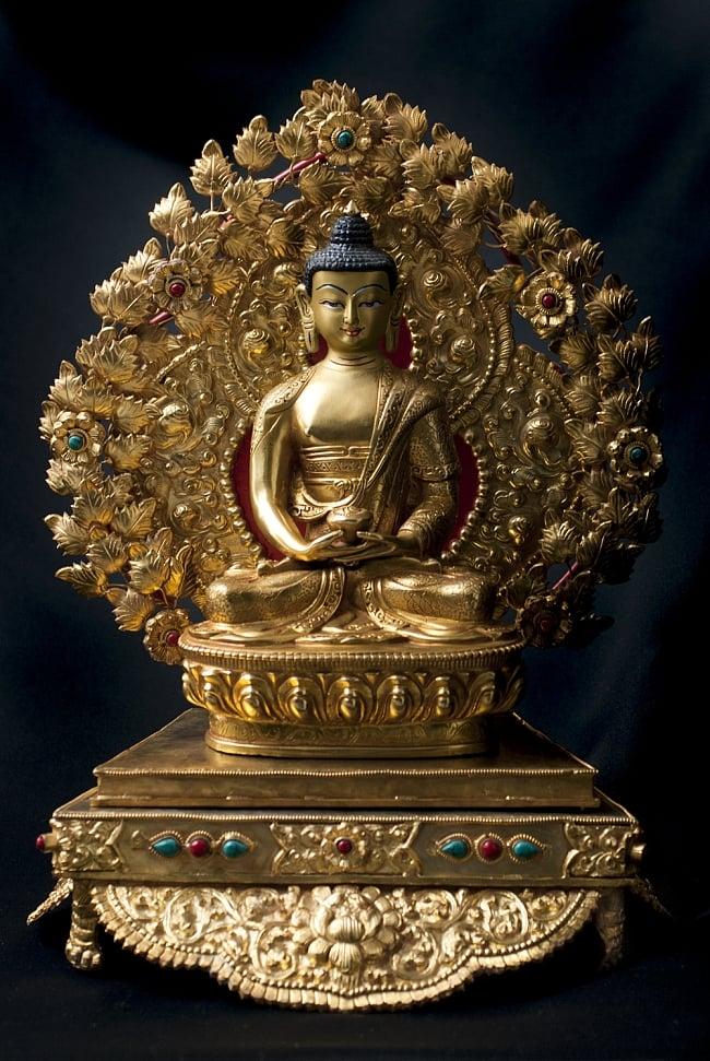神像・仏像用台座  - 銅造鍍金仕上げ 17 - 阿弥陀仏(ブッダ・アミタバ) 銅造鍍金仕上げ - 21cm(TI-RSDL-1366)を設置してみました。