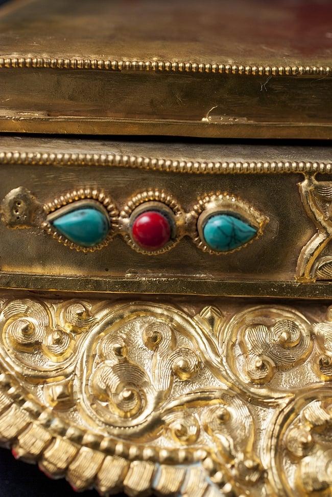 神像・仏像用台座  - 銅造鍍金仕上げ 5 - チベタンターコイズなどが埋め込まれており、華やかな印象です。