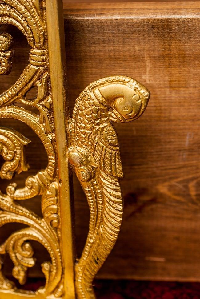 ブラス製 壁掛けオイルランプ/キャンドルホルダー - [高さ:約28cm] 3 - 両側には孔雀が装飾されています。