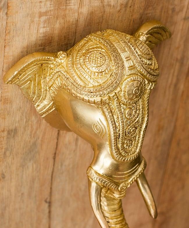 ブラス製 象のドアベル - [高さ:約25cm]の写真4 - 頭にも細かな装飾が施されていますね。