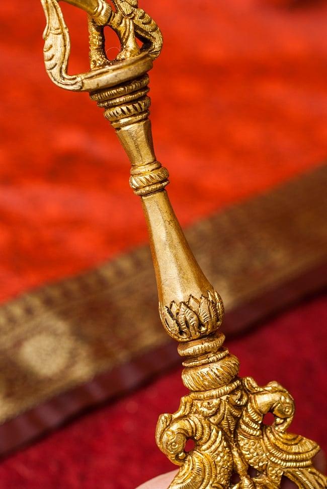 ブラス製 クリシュナスプーン - [高さ:約24.5cm] 3 - 支柱部分の様子です。