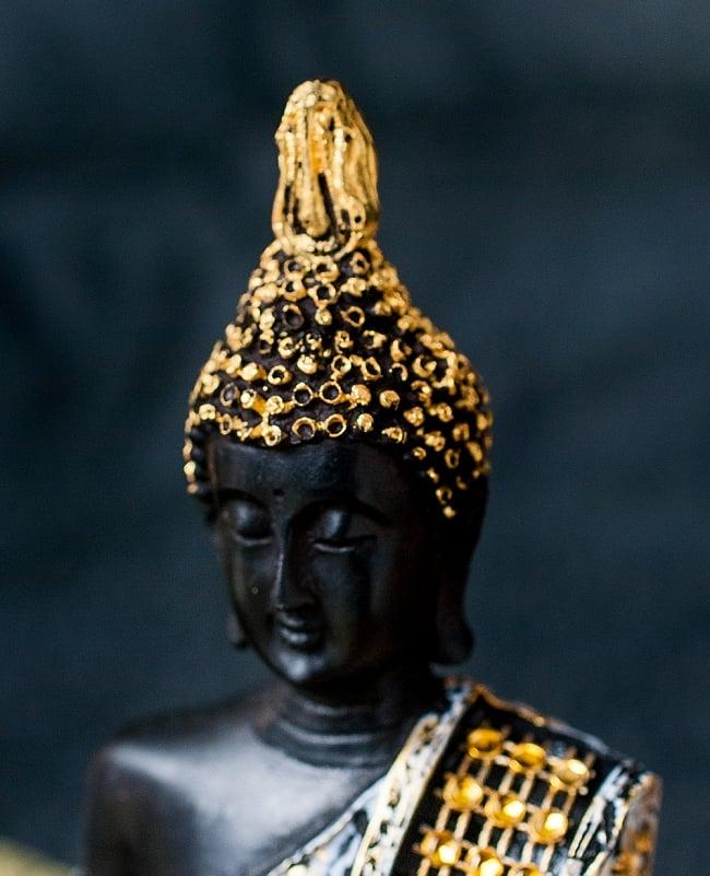 金装飾ブッダ[19cm] 2 - 美しい顔立ちです。