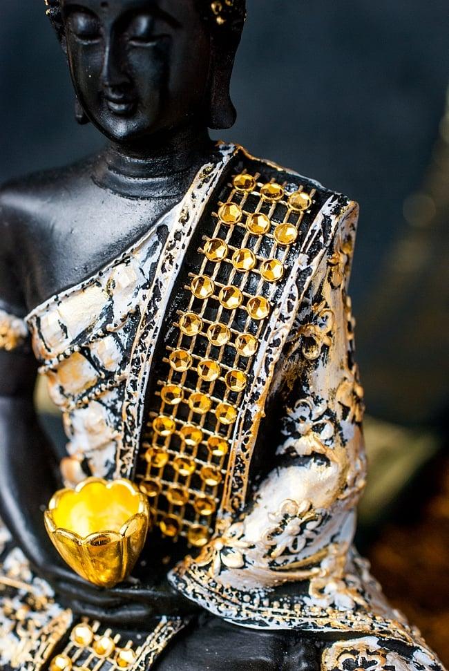 金装飾ブッダ[19cm] 4 - 美しい装飾の施された仏像です。