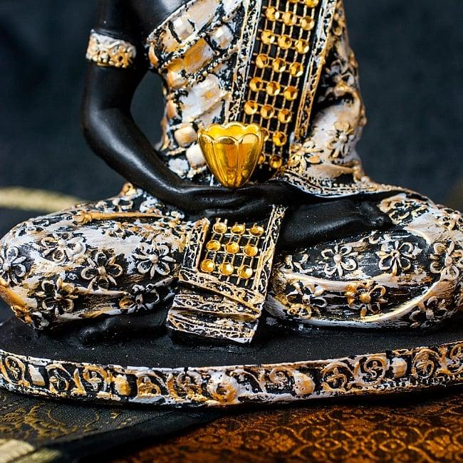 金装飾ブッダ[19cm] 6 - 台座部分にも装飾されています。