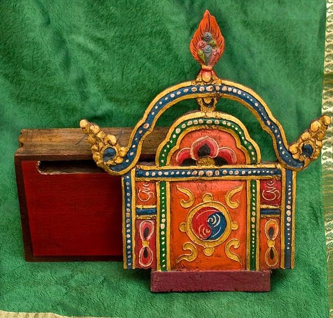 チベットの木彫りの神像・仏像用台座 高さ:24cm 11 - このように分解することが出来ます。台座のくぼみに板を差し込みます。