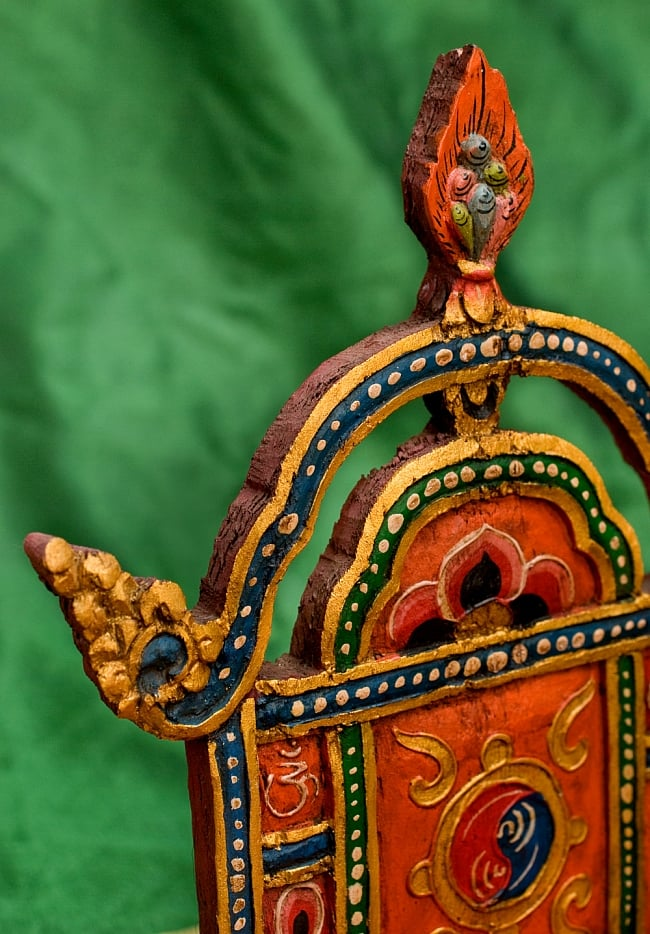 チベットの木彫りの神像・仏像用台座 高さ:24cm 7 - またまた別のアングルから撮影してみました。