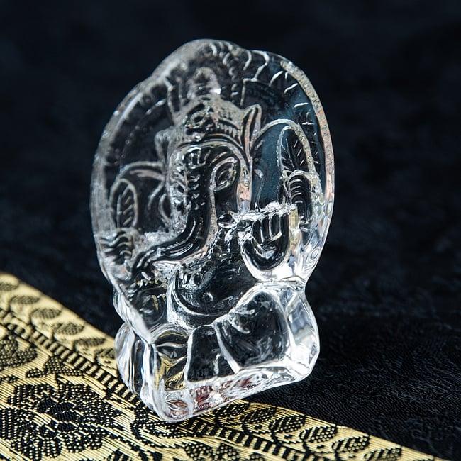 インドの神様 ガラス製ペーパーウェイト〔7cm×5cm〕 - ガネーシャ 4 - 背面側から見てみました。