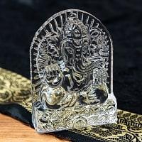 インドの神様 ガラス製ペーパーウェイト〔8.7cm×6.3cm〕 - 台座ガネーシャ