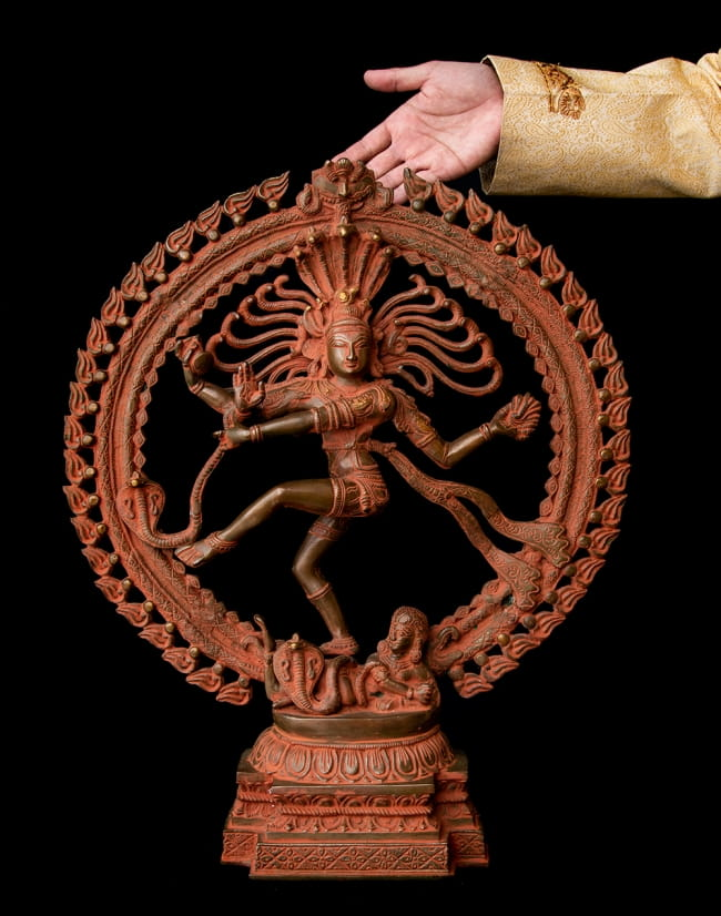 ブラス製 アンティーク調ナタラジ(ダンシング・シヴァ) 56cm 14 - 非常に存在感のある神像です。