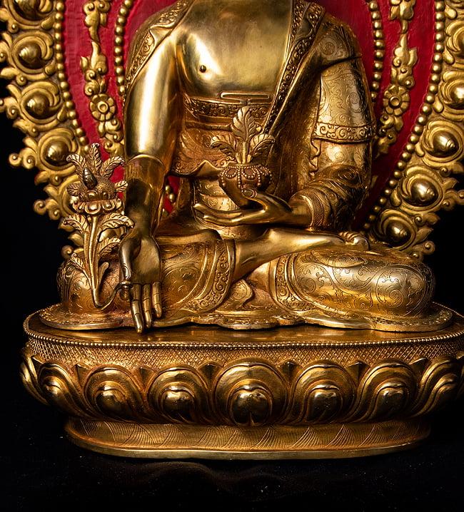 薬師如来(バイシャジヤ・グル) 銅造鍍金仕上げ - 54cm 14 - 衣をまとった様子も美しいです。