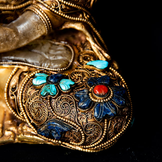 水晶阿しゅく如来(アクショービヤ) 銅造鍍金水晶彫琢仕上げ - 22cm 12 - 細かな装飾が施されています。