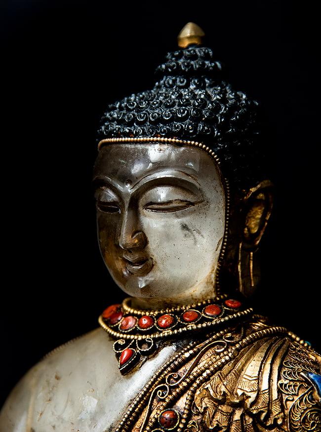 水晶阿しゅく如来(アクショービヤ) 銅造鍍金水晶彫琢仕上げ - 22cm 5 - 見る角度により様相が異なる美しい造形です。