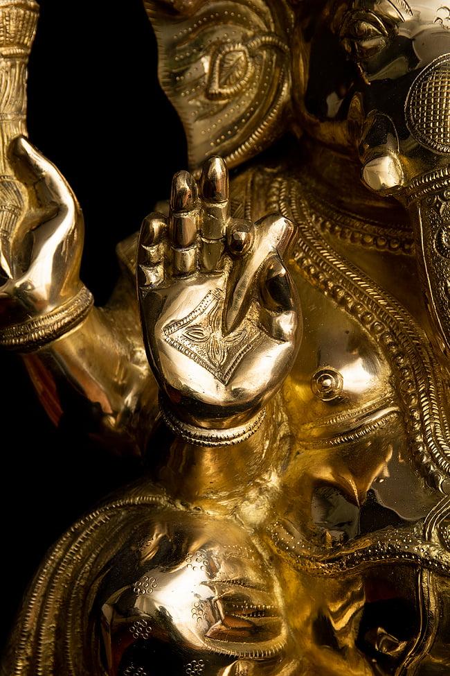 金運と幸運の神様 ガネーシャ像 [特大サイズ・約89cm] 5 - 折れた牙をもっています。ガネーシャの右の牙が折れているのは複数の伝承があるとされています