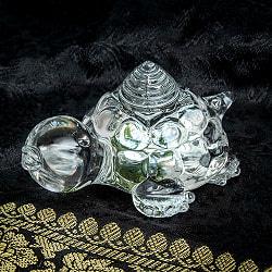 インドの神様 ガラス製ペーパーウェイト - カチュワヤントラ 8.7cmの商品写真
