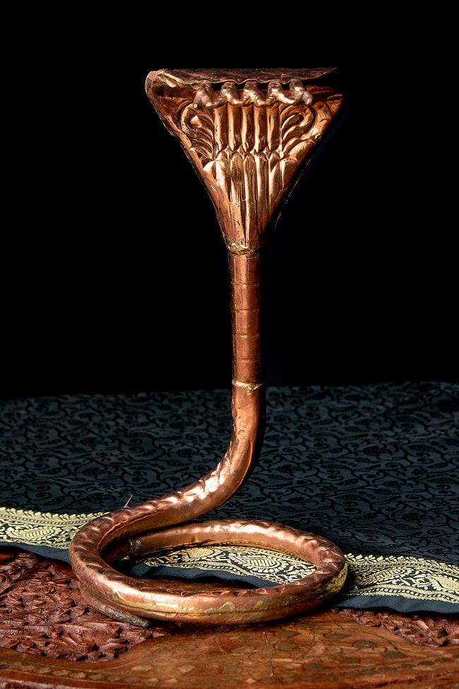 聖なる蛇 ナーガ 銅製 高さ:24.5cm程度 2 - 銅の質感が素敵です。