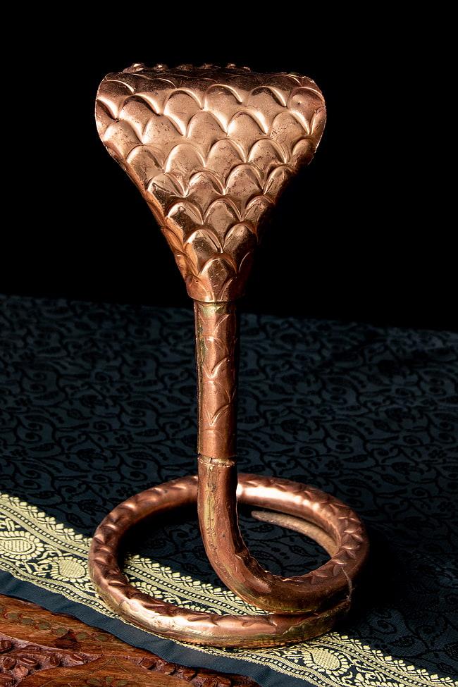 聖なる蛇 ナーガ 銅製 高さ:24.5cm程度 3 - 背面側っから見てみました。