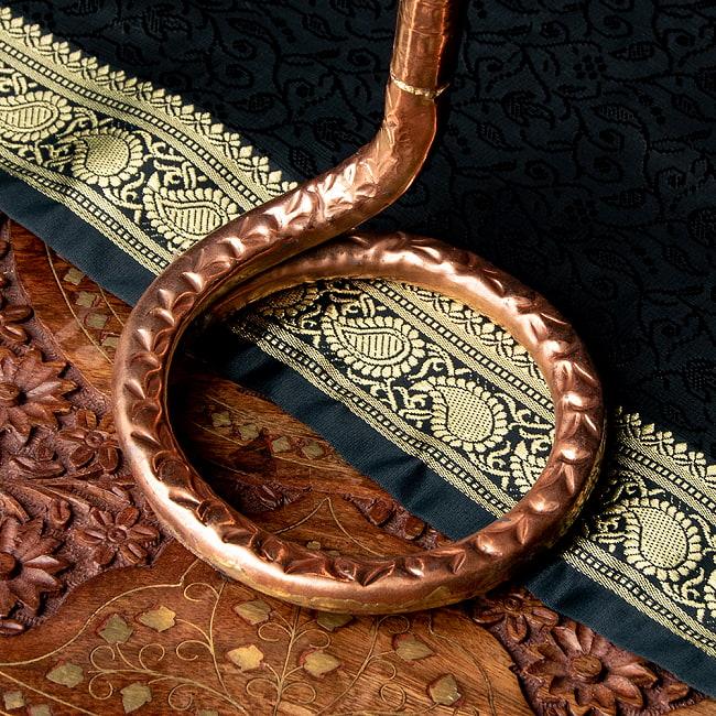 聖なる蛇 ナーガ 銅製 高さ:24.5cm程度 4 - 台座部分です。