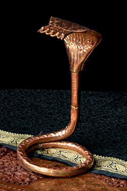 聖なる蛇 ナーガ 銅製 高さ:24.5cm程度の商品写真