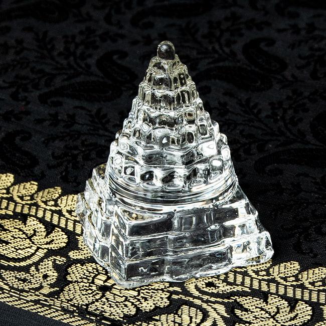 インドの神様 ガラス製ペーパーウェイト カチュワ・ヤントラ - 高さ5cmの写真