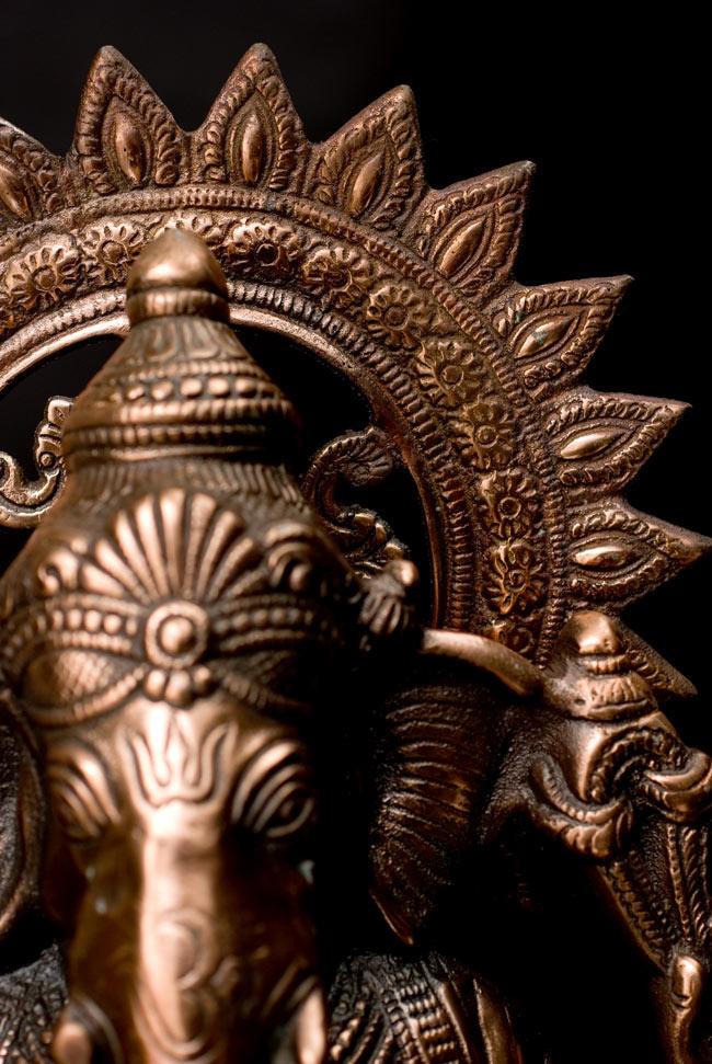 ガネーシャ【54cm】の写真12 - 光輪の装飾も美しいです。