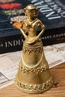 インド少数民族のハンドベル-女性
