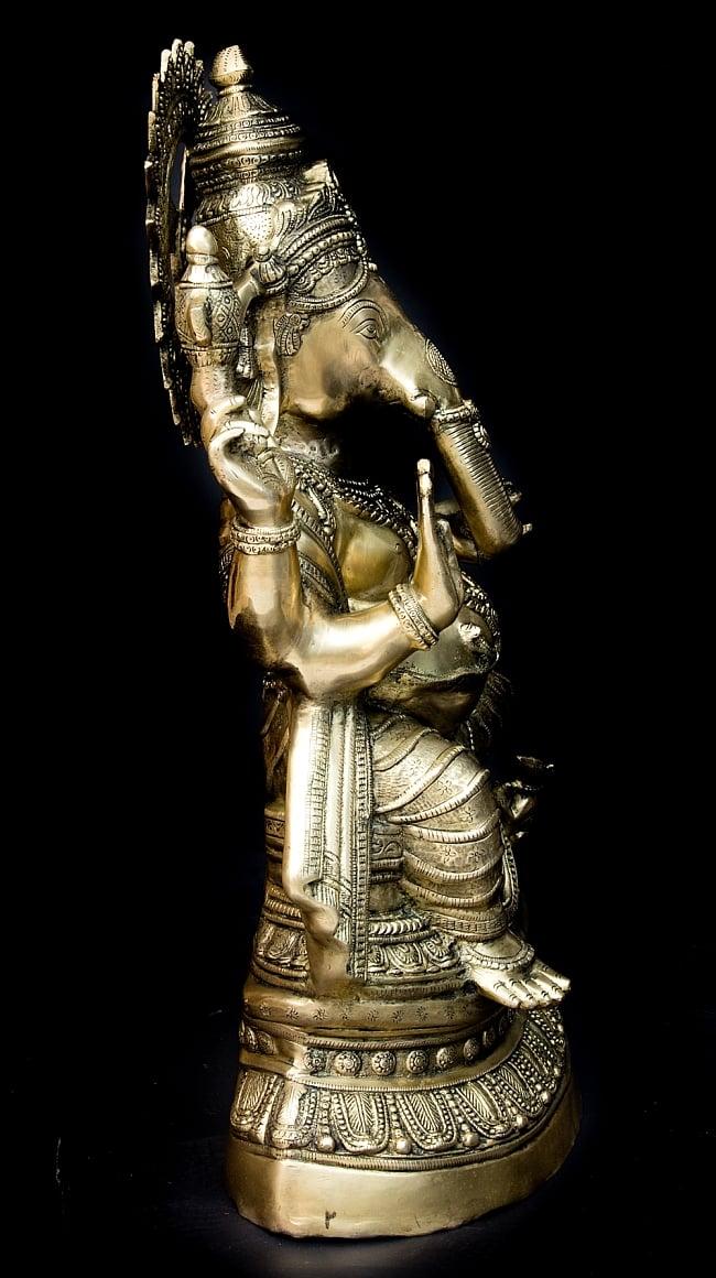 ガネーシャ [特大サイズ・87cm]の写真11 - お膝元にはガネーシャ神の乗り物とされるネズミがいます