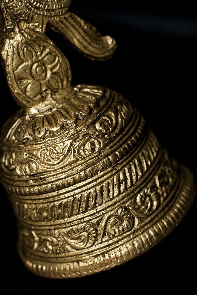 ガネーシャのハンドベル【約19.5cm】 4 - 重厚な彫り物が美しいベルです。