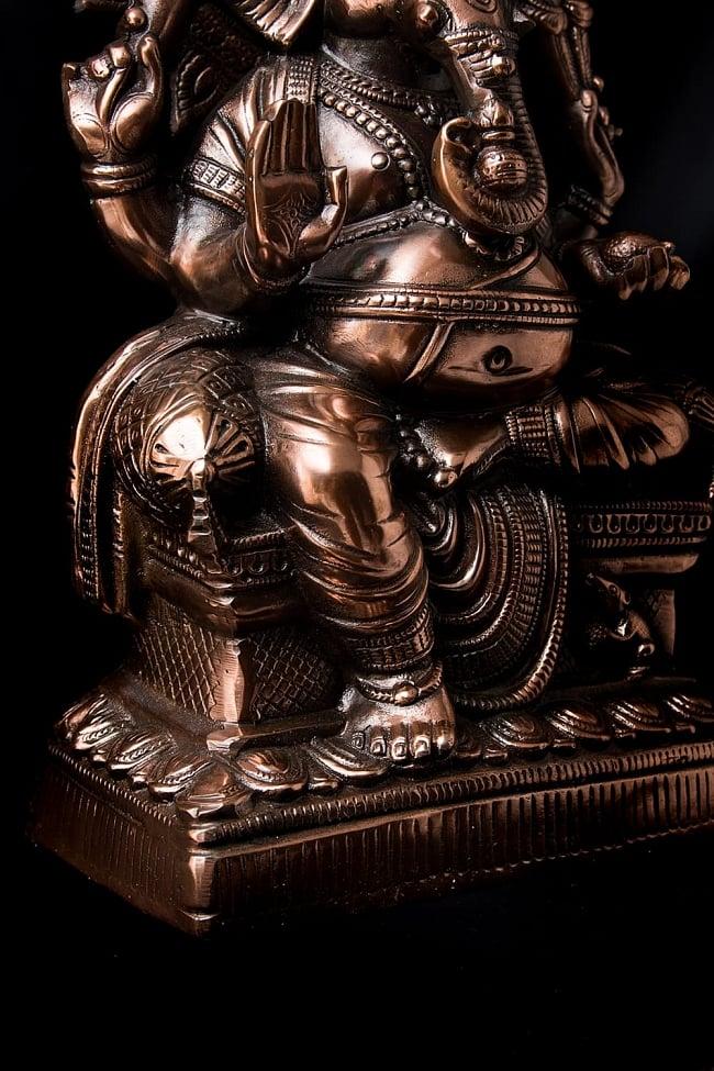 座りガネーシャ[54cm] 8 - 豊かな腹部の表現です。