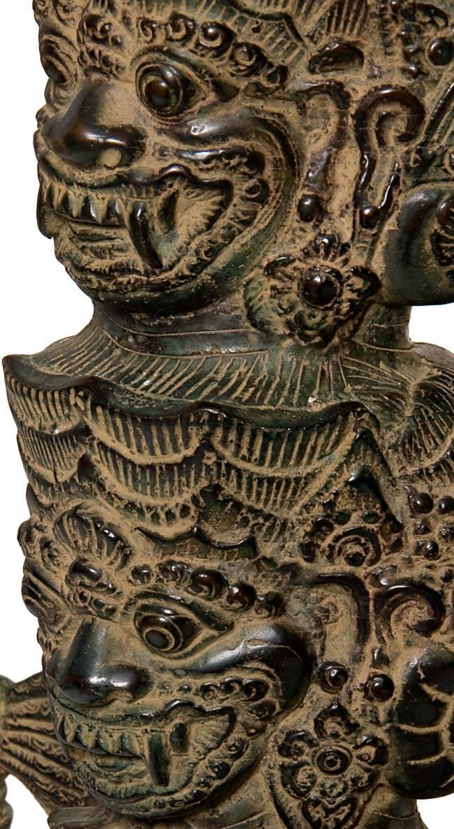バリの神様像[73cm]の写真3 - 顔の拡大写真です。