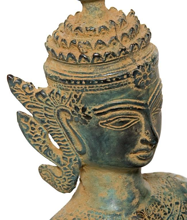 タイの神様像(19.5cm)の写真2 - 顔の拡大写真です。