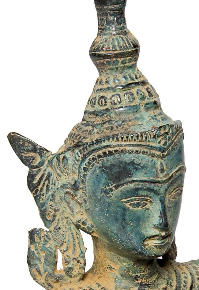 タイの神様像(31.9cm) 3 - 顔の拡大写真です。