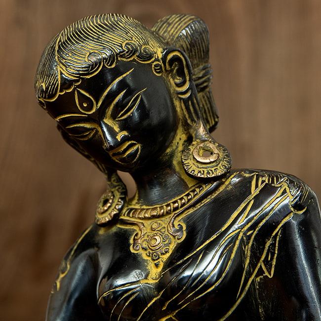 女性の像[22cm]の写真3 - 顔のアップです。