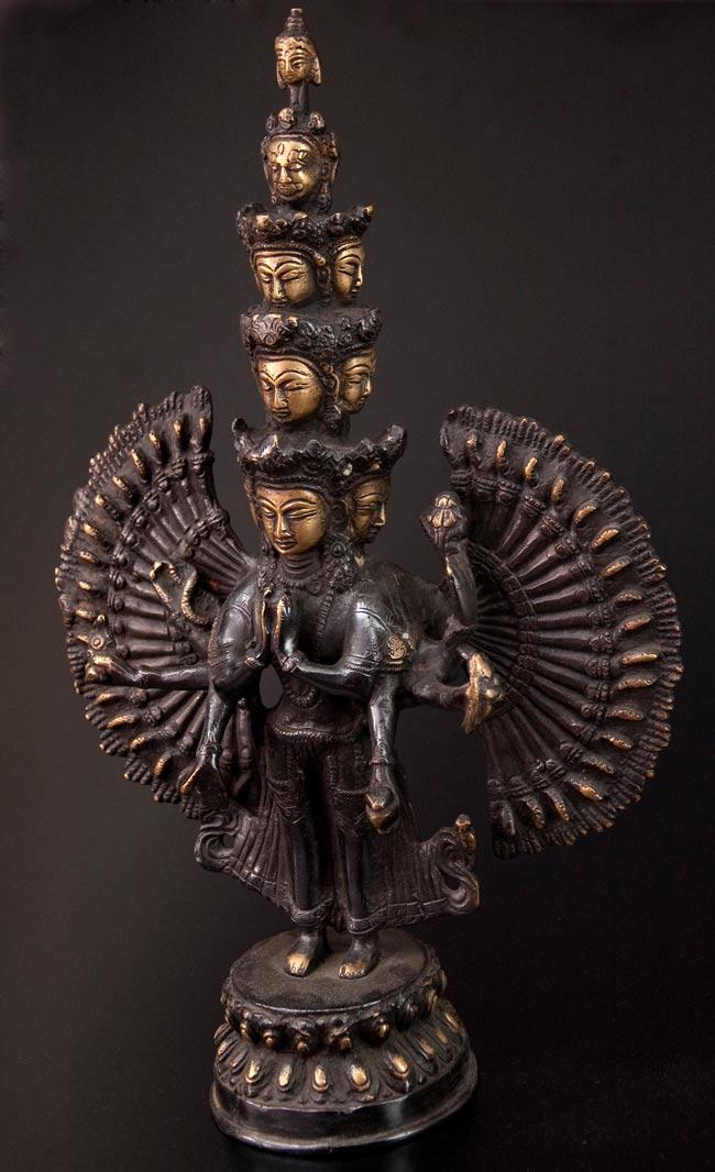 エーカダーシャムカ・アヴァローキテーシュヴァラ - 十一面観音菩薩[26cm]の写真2 - 正面から撮影しました。