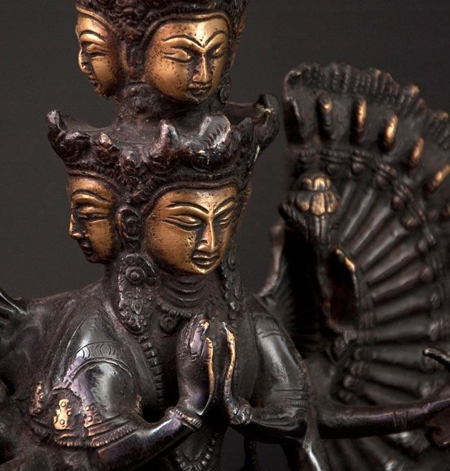 エーカダーシャムカ・アヴァローキテーシュヴァラ - 十一面観音菩薩[26cm]の写真4 - 横から撮影しました。