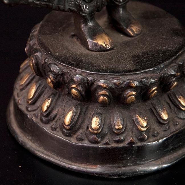 エーカダーシャムカ・アヴァローキテーシュヴァラ - 十一面観音菩薩[26cm]の写真5 - 横顔のアップです。