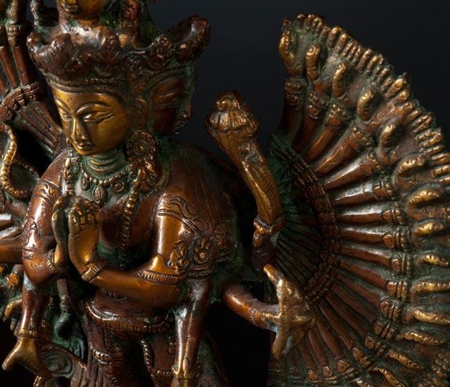 エーカダーシャムカ・アヴァローキテーシュヴァラ - 十一面観音菩薩[36cm]の写真3 - 別の斜め前のアングルから撮影しました