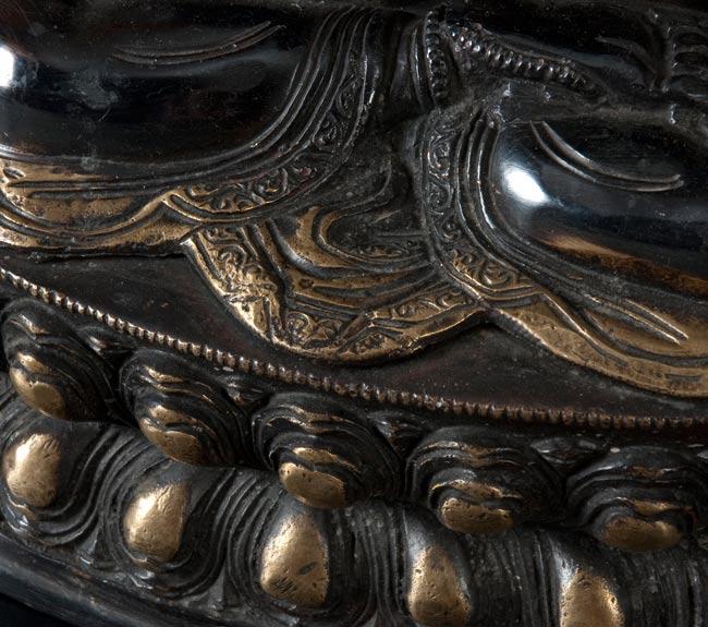 六字観音菩薩(シャドゥクシャリー・アヴァローキテーシュワラ)[37cm]の写真4 - 別の斜め前のアングルから撮影しました