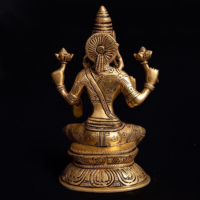 ブラス製 ラクシュミー像(高さ:19.7cm)の写真4 - 裏側の写真になります