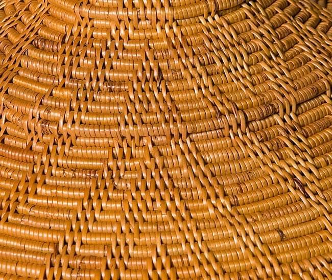 タジン鍋型小物入れ 【20cm】の写真6 - 一目一目、丁寧に編まれています