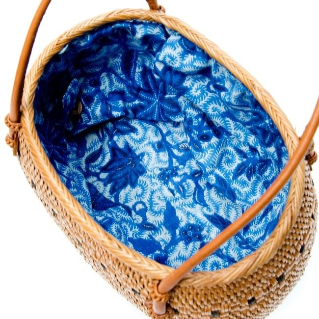 アタかご巾着バッグ 発祥の地トゥガナン村で手作り 12 - 日用品を比較用に少し入れてみました。このくらいのサイズ感です。