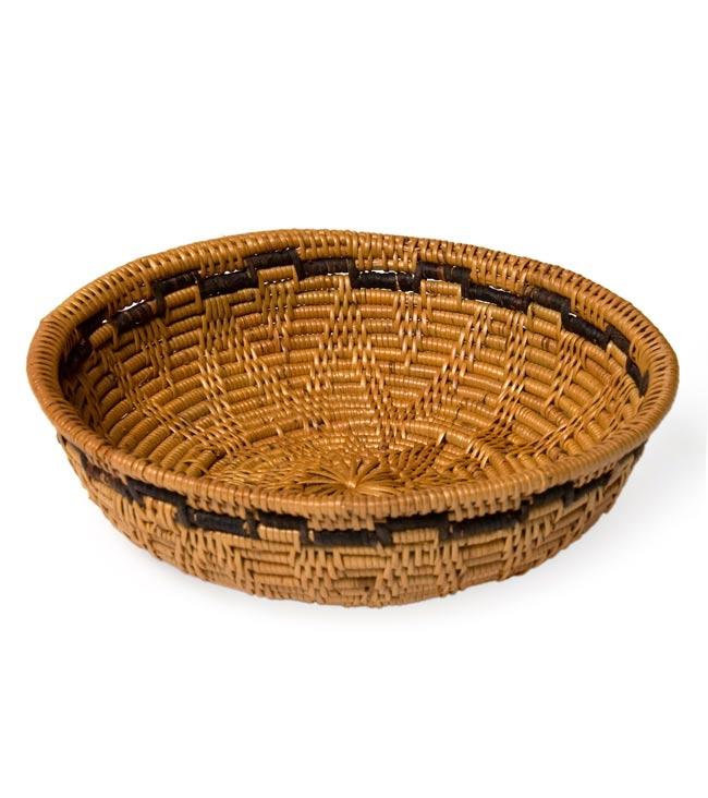 トゥガナン村のアタ 円形皿 - 小の写真